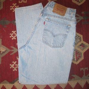Levi Women's 550 High Top Blue Jeans sz.14